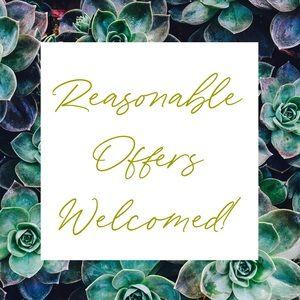 ✨I love reasonable offers!✨